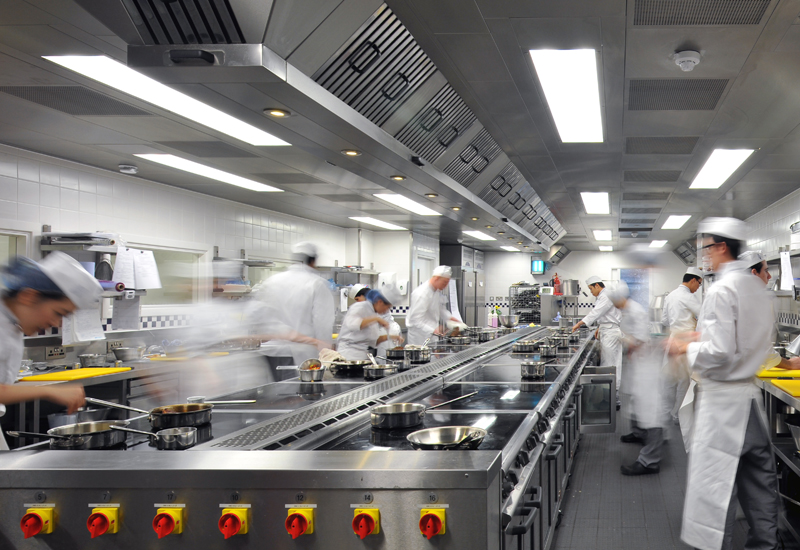 Court-kitchen-1.jpg