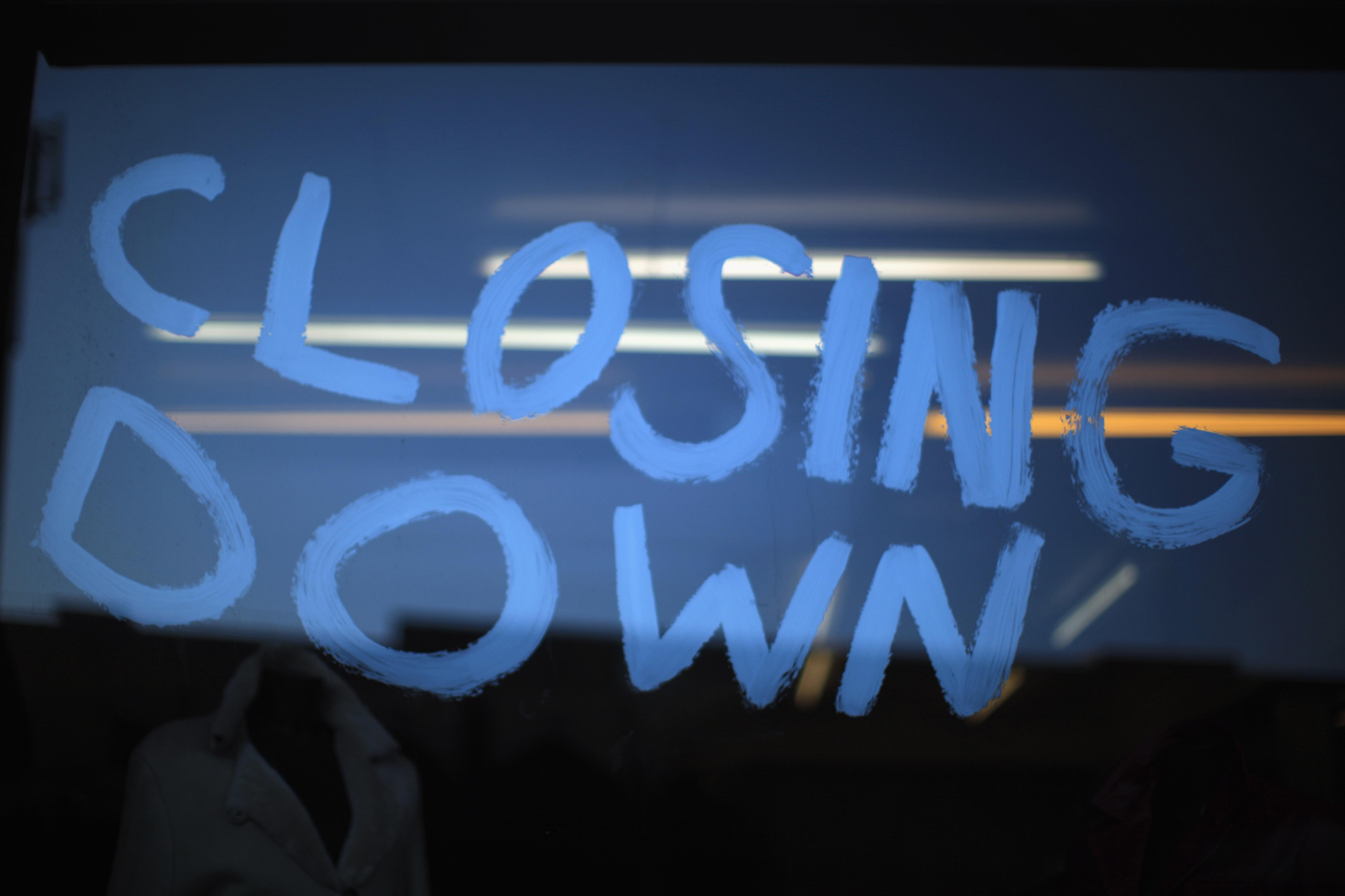 Closing-down-sign.jpg