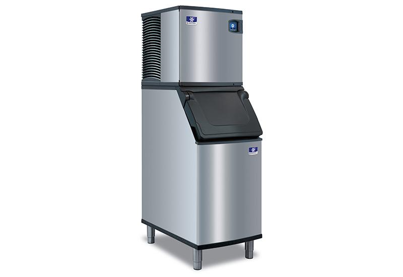 Manitowoc-Ices-new-D-Series-ice-storage-bins-from-FEM crop
