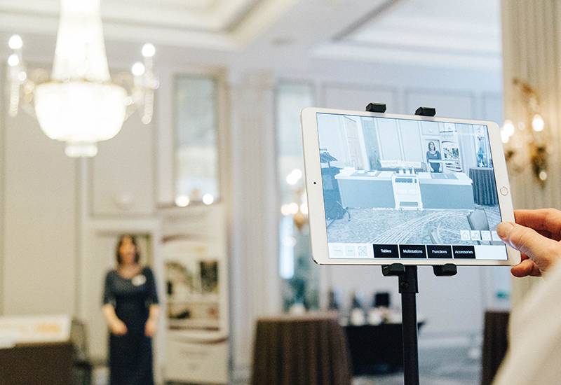 Livecookintable Augmented Reality app in use crop