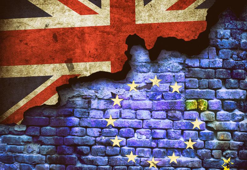brexit-1491370 crop