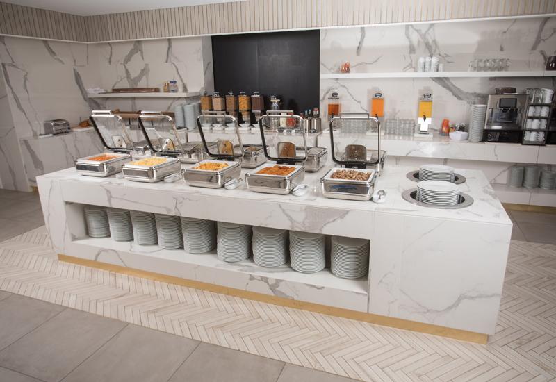 Breakfast buffet at the Crowne Plaza Zurich using InductWarm® undercounter induction units by Gastros Switzerland crop