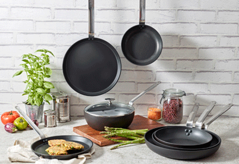 Choc-Intense-cookware-range—DE-BUYER-crop