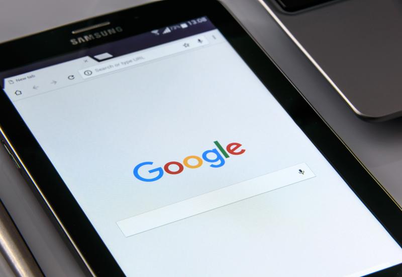 google-on-your-smartphone-1796337 crop